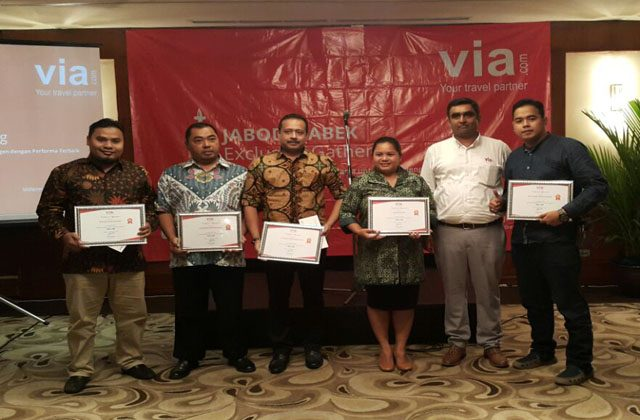 via.com Indonesia Gelar Malam Penghargaan Top Agent