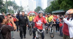 AMPANYEKAN KESELAMATAN BERLALULINTAS, MENHUB LEPAS TOURING SEPEDA JAKARTA-SURABAYA