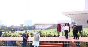 Angkat Pariwisata, Presiden Jokowi dan PM India Terbangkan Layang-Layang di Monas
