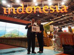 Menpar Arief Yahya Terima Penghargaan dari Lonely Planet di WTM London