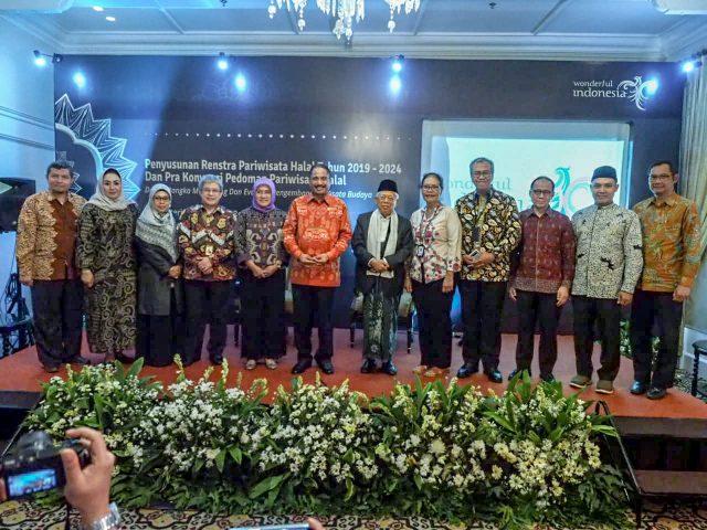 Kemenpar Siapkan Pedoman Wisata Halal di Indonesia