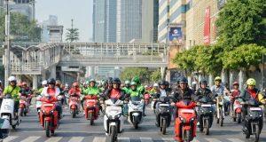 Menhub: Empat Pelaku Usaha Angkutan Umum Komitmen Gunakan Kendaraan Listrik