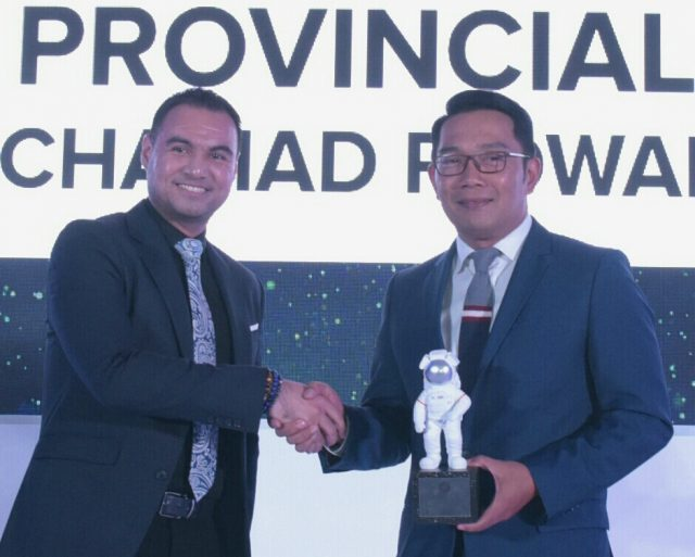 Gubernur Jabar Raih Penghargaan DX Leader di IDC Digital Transformation Awards 2019