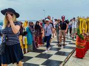 Kapal Pesiar Le Laperouse Angkut Wisman Singgah di Pulau Penyengat