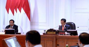 Presiden Jokowi Pimpin Rapat Terbatas Persiapan Natal dan Tahun Baru