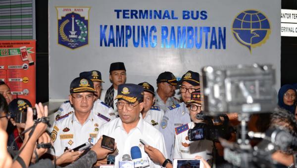 Tinjau Terminal Kampung Rambutan, Menhub Imbau Masyarakat Pilih Bus Yang Sudah Ramp Check