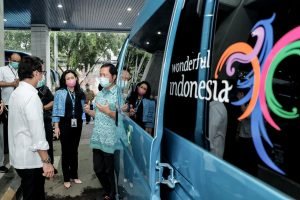 Menparekraf ke Blue Bird Pastikan Kesiapan Fasilitas Transportasi Tenaga Medis
