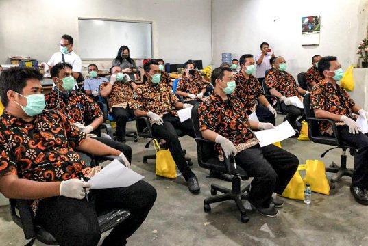 Kemenparekraf Beri Pelatihan Khusus Pengemudi yang Bertugas Antar Tenaga Kesehatan