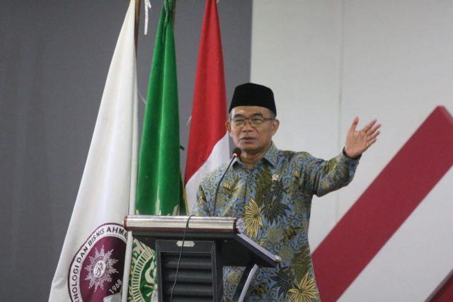 Pemerintah Ajak Pemda Perkuat Komitmen Tangani Pandemi Covid-19 halo indonesia