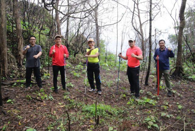 Usai Rangkaian Kunker, Mendagri Hiking ke Siwang, Ambon