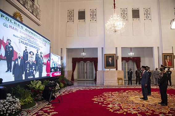 HUT ke-74 Bhayangkara, Presiden Beri Apresiasi dan Penghargaan kepada Polri halo indonesia