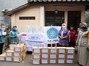 Ketum TP PKK Pusat Bagikan Masker dan Sosialisasi Protokol Kesehatan di Kelurahan Johar Baru, Jakarta Pusat