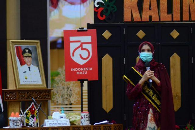 Ketua Tim Penggerak PKK, Dikukuhkan Sebagai Bunda Literasi Kalteng