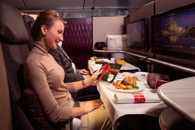 Qatar Airways Memperkenalkan Sentuhan Meriah untuk Mengejutkan dan Menyenangkan Penumpang Musim Liburan Ini