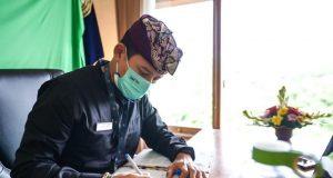 Menparekraf Ajak Pengusaha dan Profesional Bekerja dari Bali
