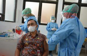 Penyuntikan Pertama Sukses, Masyarakat Sulteng Diharap Dukung Vaksinasi Covid-19