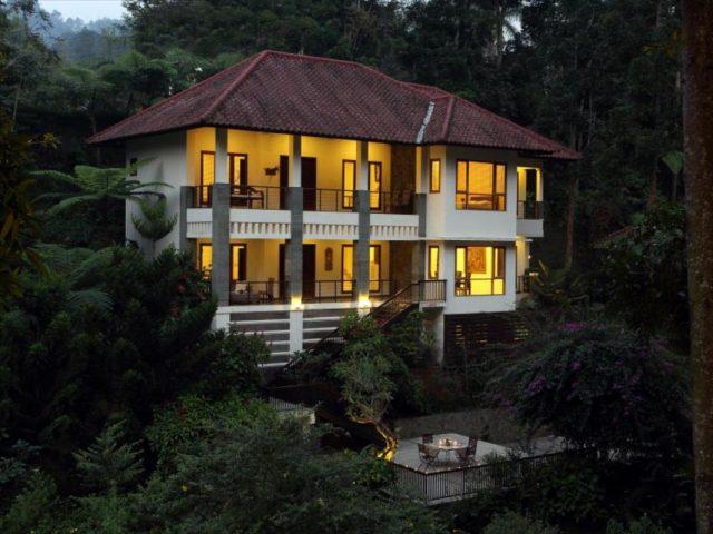 Villa Puncak by Plataran Dikelilingi Hutan dan Sungai