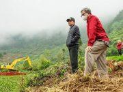 Bersihkan Telaga Merdada, Bupati Kerahkan Unit Alat Berat