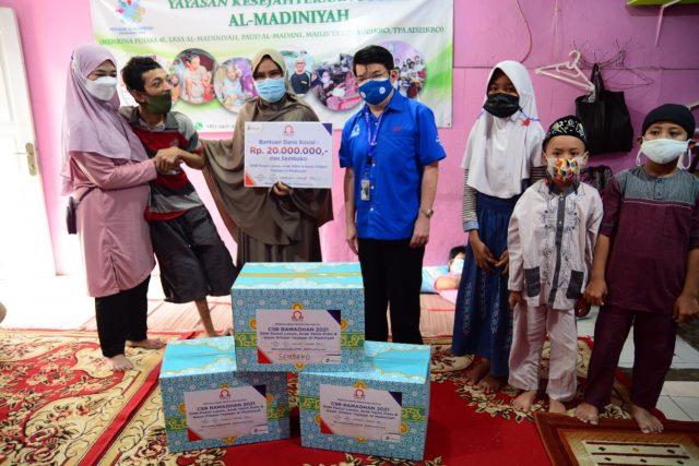 Omega Hotel Management Adakan CSR Ramadhan Peduli lansia, Anak Yatim Piatu Dan Kaum Difabel Yayasan Al-Madiniyah