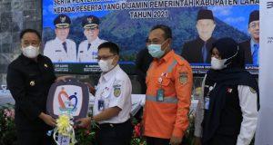 KAI Berikan Bantuan Ambulans kepada Pemkab Lahat