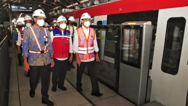 Target Beroperasi Tahun Depan, Pembangunan LRT Jabodebek Tahap 1 Capai 84,6 Persen