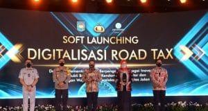 Digitalisasi Pajak Kendaraan, Kemendagri Luncurkan Stiker Hologram Road Tax