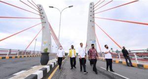 Resmikan Jembatan Sei Alalak, Presiden: Manfaatkan dengan Baik